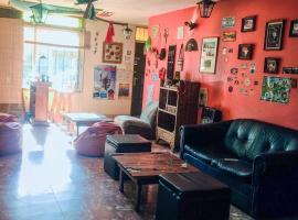 Hostel Otro Mundo, hotel near Achaval Ferrer Florida De Tupungato Winery, Mendoza