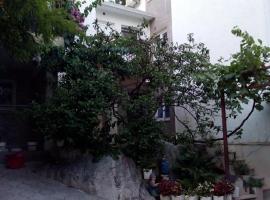 Georgijevic Room & Apartments, country house in Budva