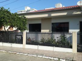 Casa de Praia, hotel near Navegantes Beach, Navegantes