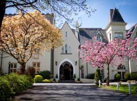 Glen-Yr-Afon House Hotel, hotel in Usk