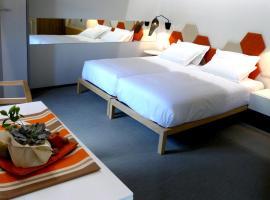 Blanco Apartamentos Turísticos, hotel cerca de Oficina de Turismo, Santiago de Compostela