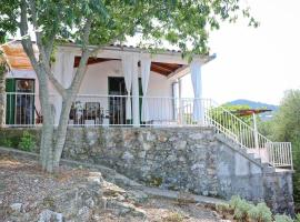 Seaside holiday house Sali, Dugi otok - 16128, budget hotel in Sali