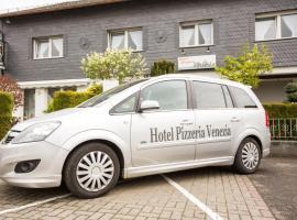 Hotel Pizzeria VENEZIA, hotel near Frankfurt-Hahn Airport - HHN,