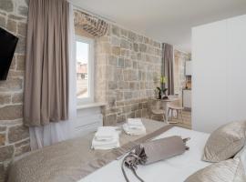 Mediterra Residence, hotel in Split