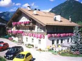 Hotel Villa Mozart, hotel in Pozza di Fassa