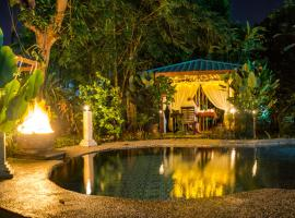 Bike and Tours Bed and Breakfast, family hotel in Lahad Datu