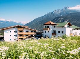 Pitzis Kinderhotel - Family Only, Hotel in Arzl im Pitztal