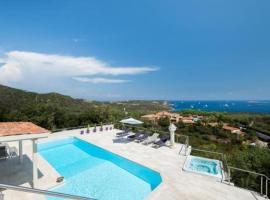 Villa Purple, hotel with jacuzzis in Porto Cervo