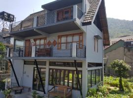 Sekar Gambir Homestay, guest house in Batu