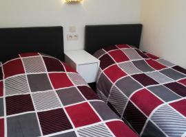 Budget room, hotel in Lommel