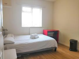 Birmingham Central Rooms at Warner St By HF Group, pet-friendly hotel in Birmingham