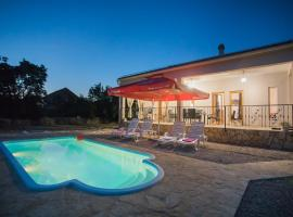 Holiday home with pool Kristal, holiday home in Šibenik