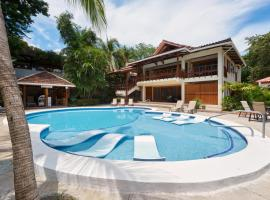 The Coast Beachfront Hotel, hotel in Tamarindo