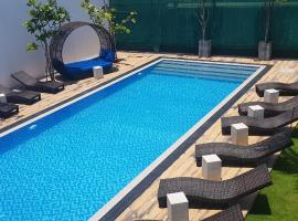 Cloud 9 Boutique Hotel, hotel en Negombo