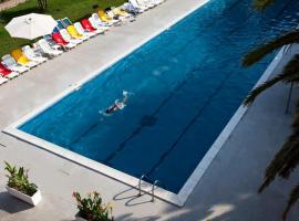 Hotel Fortezza, hotell i Arborea