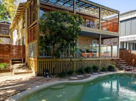 Noosa Beachhouse, vacation home in Noosa Heads
