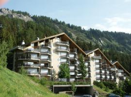 Apartment Topaze, hotel in Anzère