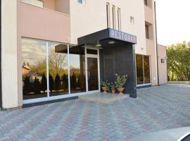 Hotel Konstantin, hotel in Prishtinë