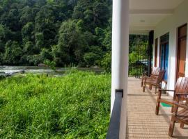 Adventure Base Camp, hotel v destinaci Kitulgala