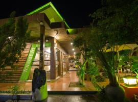 Lawaka Hotel, hotel in Ampana