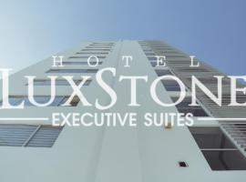 Luxstone Executive & Suites, hotel em La Paz