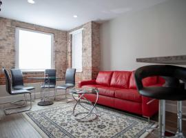 Apt ideally situated in DC walk to metro, Dupont, Logan, & monuments!, apartment in Washington, D.C.