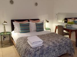Staybridge Suites London Heathrow - Bath Road, hotel em Hillingdon