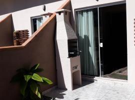 Casa do Nei, hotel near Bombinhas Panoramic View Park, Bombinhas
