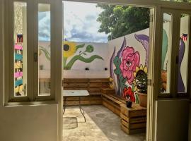 Hostel H1 Miramar, hostel in San Juan