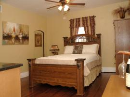 Charming Historic Downtown Apartment, apartment in St. Augustine
