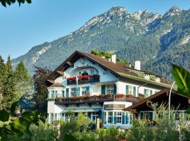 Hotel Aschenbrenner, hotel near Garmisch-Partenkirchen City Hall, Garmisch-Partenkirchen