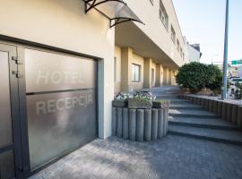 Sport Hotel, hotel in Jelenia Góra