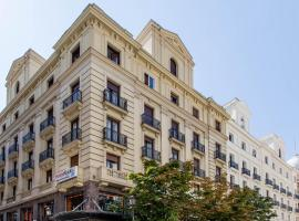 Hostal Abadia Madrid, bed & breakfast a Madrid