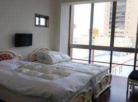 Izu 4 sea ocean reinforced con Double bed Seaview Shared bathroom share、熱海市のホテル