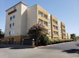Ramada by Wyndham Bakersfield, hotel v destinaci Bakersfield