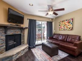 Beautiful Ski In/Ski Out Studio at Park City Mountain Resort, serviced apartment in Park City