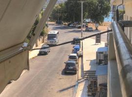 Seaview 2nd flr. apt. next to the beach, wifi,a/c,p/c media., apartment in Anavissos