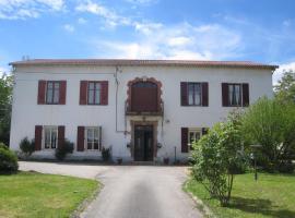 Gite Chanay, apartment in Tournus