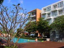At Sea Condo, hotell sihtkohas Klong Muang Beach