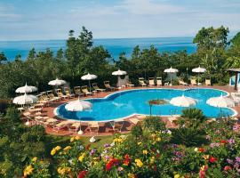Hotel Tirreno, hotell i Parghelia