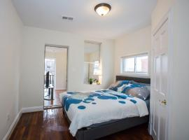 Charming studio - 3 min walk to PETWORTH Metro station; 10 min to Convention Center, homestay in Washington, D.C.