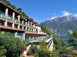 Centro Vacanze La Limonaia, hotel in Limone sul Garda