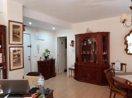 Habitación privada a 1500 metros de la playa, habitació en una casa particular a València