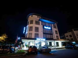 bizz hotel, hotel in Puchong