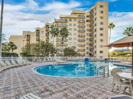 #1 RESORT STYLE LIVING!!!! CLOSE TO ALL ATTRACTIONS-Tourist Central!, serviced apartment in Orlando