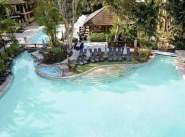 Pullman Palm Cove Sea Temple Resort & Spa, hotel in Palm Cove