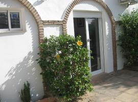 Apt 1 Ch Costa del Sol Sitio de Calahonda dans maison d'hôte Entrée indépendante, lägenhet i Mijas