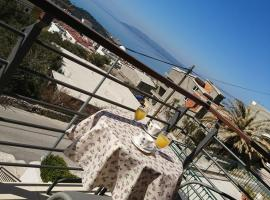 Apartments Nataly, hotel near Biokovo Mountain, Makarska