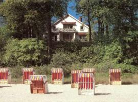 Haus am Hang Pension garni, Hotel in Scharbeutz