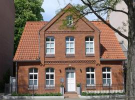 Leonhardts Haus & Hof, guest house in Hannover